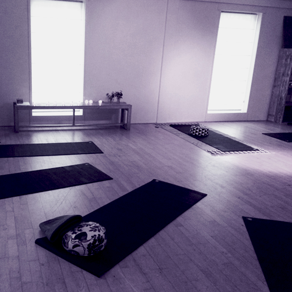 strike-that-pose-yoga-gorredijk-yoga-studio