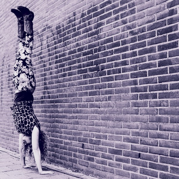 strike-that-pose-yoga-gorredijk-handstand