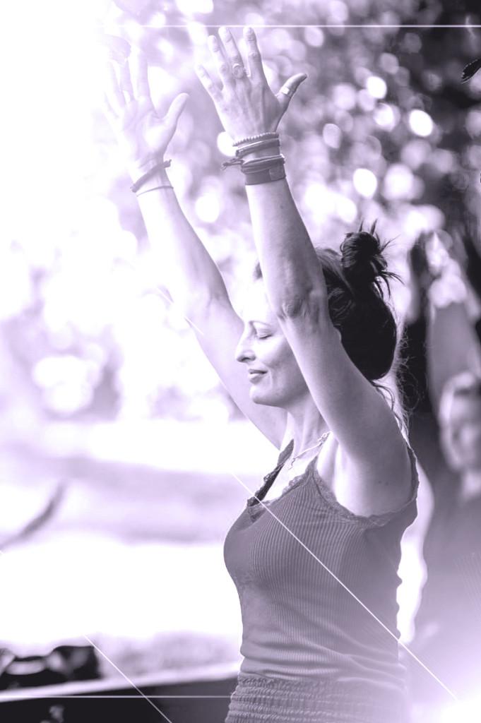 yoga-gorredijk-strike-that-pose-mika